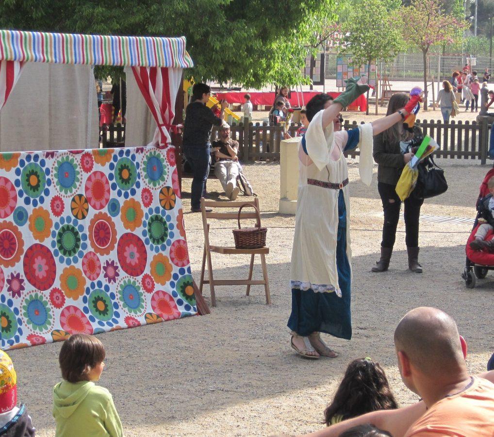 representació de St. Jordi el drac a l'escola Elisa Badia de Barberà del Vallés