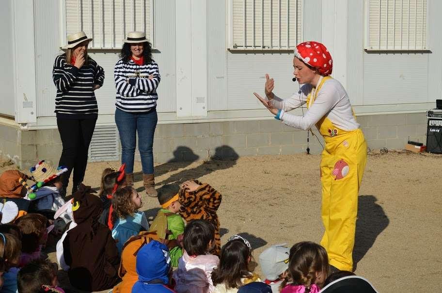 representació de la Caputxeta a l'escola Sant Jordi de Mollet del Vallés