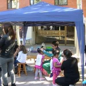 talleres para niños en barcelona, actividades infantiles barcelona, contratar animación infantil barcelona, animadores infantiles barcelona, talleres para niños de maquillaje, globoflexia, taller de globoflexia, taller de burbujas gigantes