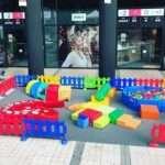 juegos gigantes en barcelona, hinchables barcelona, contratar juegos gigantes, atracciones infantiles, atracciones para niños, piscinas de bolas