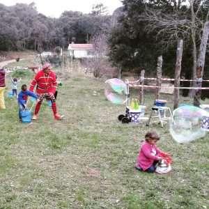 burbujas gigantes barcelona, animación burbujas gigantes, burbujas gigantes para cumpleaños, taller de burbujas gigantes, taller de burbujas barcelona, burbujas gigantes, burbujas gigantes barcelona, burbujas para fiestas infantiles, cumpleaños infantiles con burbujas