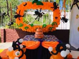 decoraciones con globos barcelona, decoraciones para la fiesta de halloween, decorador fiestas barcelona, decoracion globos, decoraciones con globos en barcelona contratar, animacion fiestas de halloween, animacion para la fiesta de la castañada, taller de maquillaje halloween, maquilladores para halloween