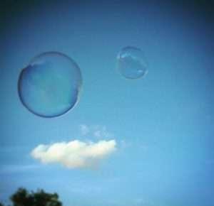 burbujas gigantes para anuncios, burbujas gigantes para publicidad, burbujas gigantes para series, burbujas gigantes para tv, contratar burbujas gigantes en barcelona, taller de burbujas gigantes en barcelona, taller de bombolles gegants a barcelona, taller de bombolles gegants, taller de bombolles contractar, contratar burbujas gigantes en barcelona, contratar burbujas gigantes para rodajes y publicidad en barcelona